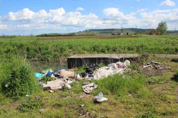 Söğütlü'de inşaat atıkları ve kullanılmayan eşyaları çevreye atanlara ceza kesilecek