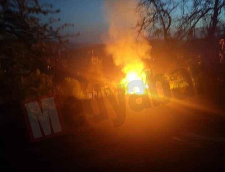 Hendek'te sahur vakti çıkan yangında bir ev küle döndü