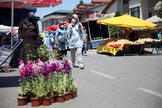 Doğu Marmara ve Batı Karadeniz'de pazar yerleri Kovid-19 tedbirlerine uyularak açıldı