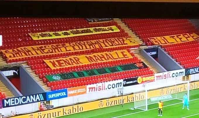Göztepe Beşiktaş maçında dikkat çeken pankart