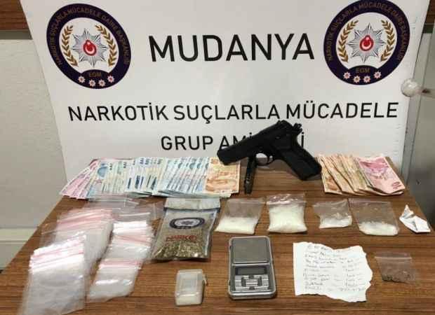Bursa'da uyuşturucu operasyonunda yakalanan 4 şüpheli tutuklandı