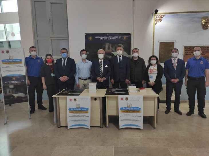 İnfaz kurumu kütüphaneleri için adliyelerde kitap bağış kampanyası başlatıldı