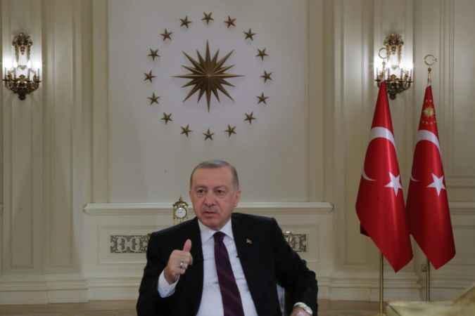 Erdoğan'ın televizyon programındaki saatte '09.05' detayı