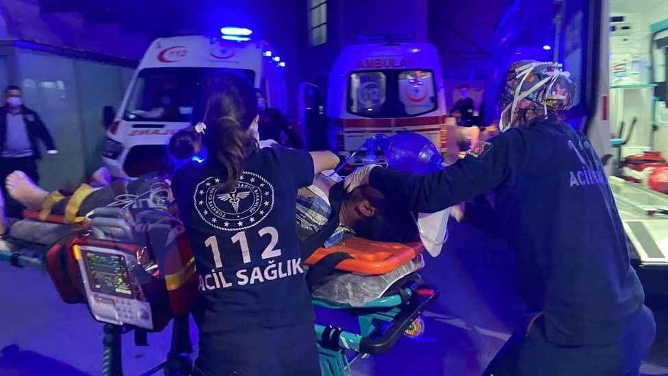 YEĞEN DEHŞETİ (1)Amcasıyla yengesini öldürdü, kuzenini kalbinden yaraladı