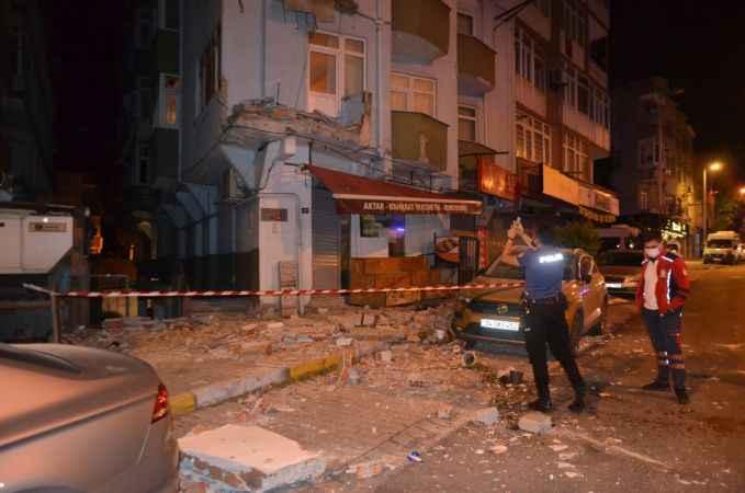 Avcılar'da 42 yıllık binanın iki balkonu çöktü