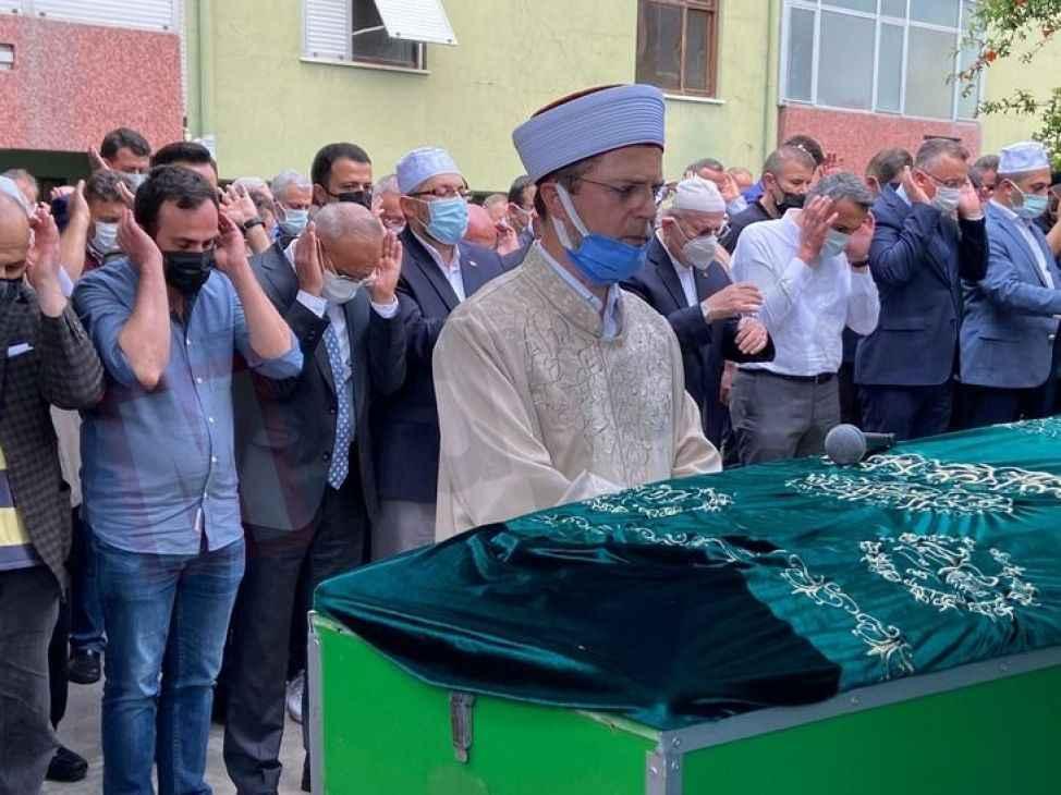 <Tever ailesinin acı günü Cevdet Tever toprağa verildi!