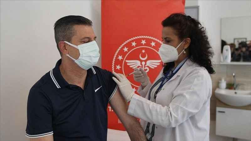 Kovid-19'la mücadele kapsamında uygulanan aşı miktarı 32 milyon 213 bin 119 oldu