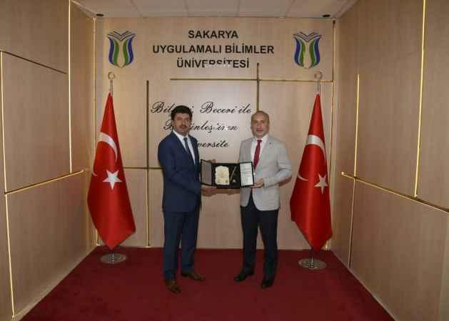 """Rektör Sarıbıyık: """"İlim Yayma Ödülleri motivasyon kaynağı oluyor"""""""