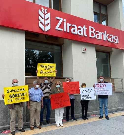 Sedat Peker'in iddiaları sonrası CHP Adapazarı teşkilatı Ziraat Bankası önünde eylem yaptı!