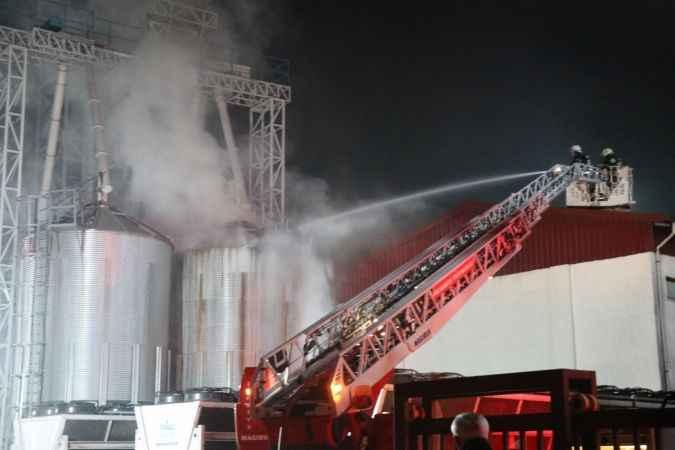 Bolu'da enerji üretim fabrikasındaki yangın büyümeden söndürüldü