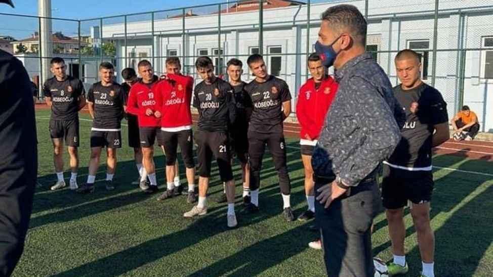 İlçe müdürü Halil Akyol, Karasuspor antrenmanını ziyaret etti