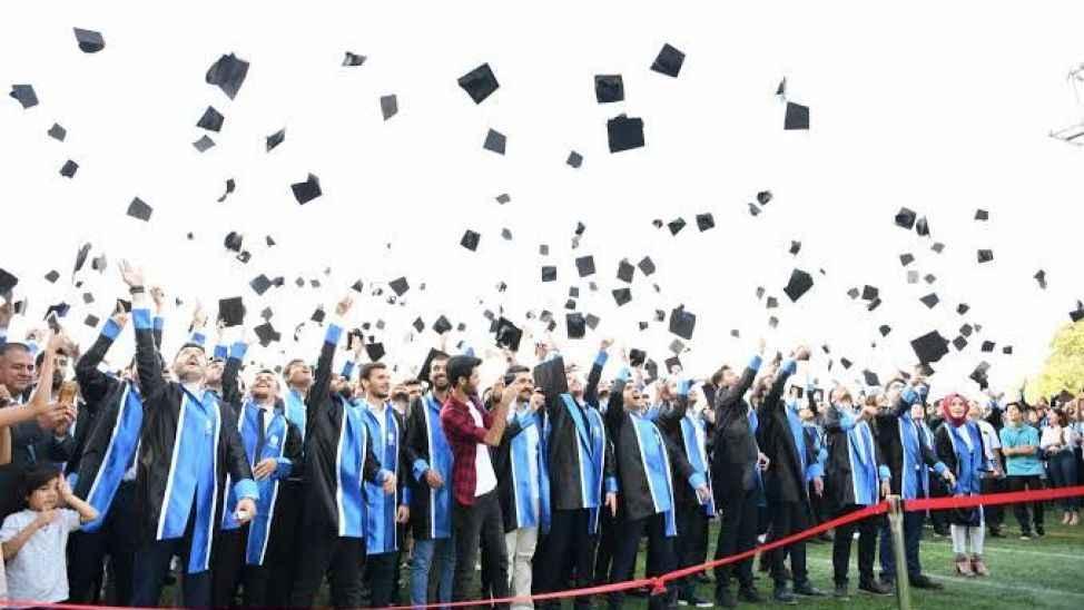 SAÜ'de mezuniyet töreni ne zaman? Rektör açıklama yaptı...
