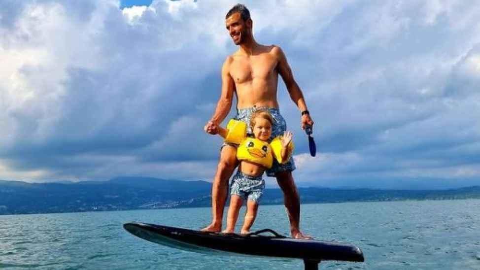 Oğlu Zayn'la Sapanca gölü'nde Fliteboard yaptı