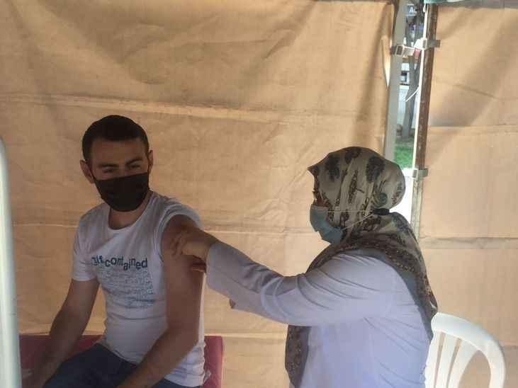 Karasu'da aşı çadırı kuruldu