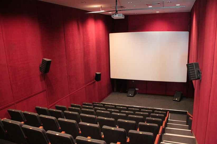 Tüm iş yerleri ve sinemalar 1 Temmuz'da açılıyor