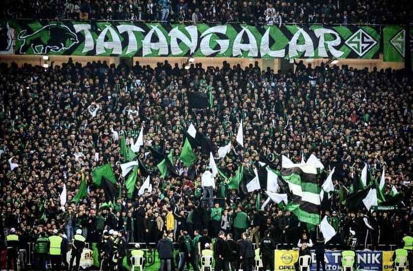Fahrettin Koca: Spor müsabakaları tedbirlere göre seyircili oynanabilecek