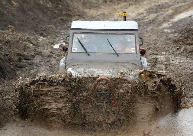 Düzce'de Off-road tutkunlarını sağanak yağmur bile durduramadı