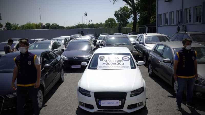 """Bursa merkezli 3 ilde """"change araç"""" operasyonunda 15 şüpheli yakalandı"""