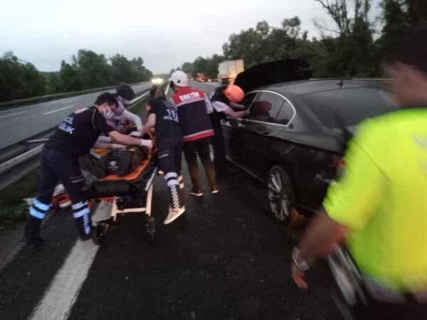 TEM'de 7 araç birbirine girdi: 4 yaralı