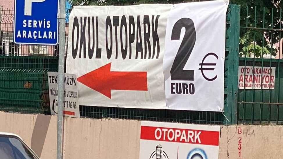 Şehrin göbeğinde 2 Euro'ya otopark