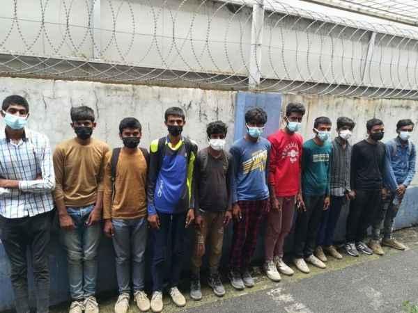 TEM Otoyolunda durdurulan otobüste 11 göçmen yakalandı