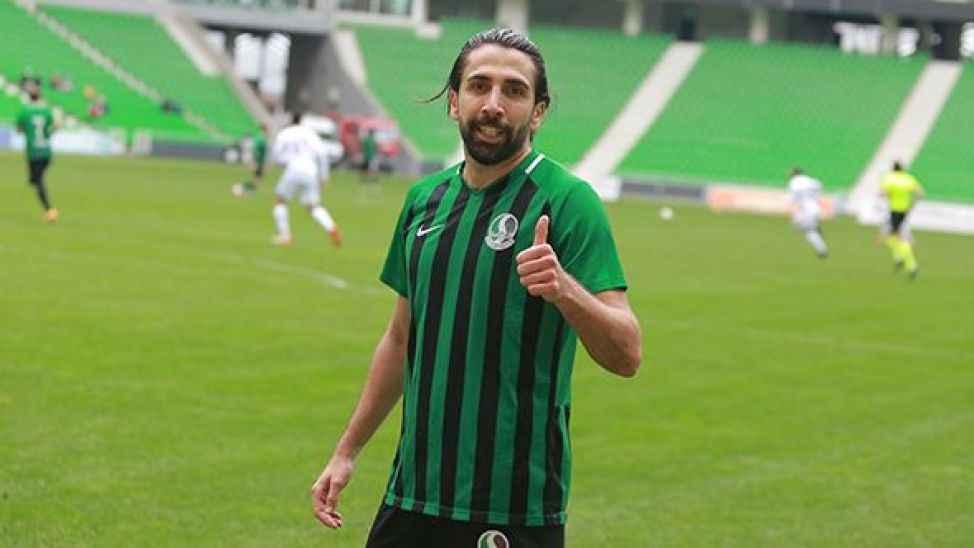 Sakaryaspor'da o isim takımdan ayrıldığını duyurdu