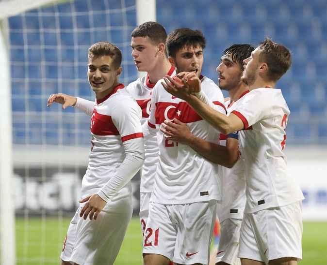 Sakarya Atatürk Stadyumunda milli maç heyecanı