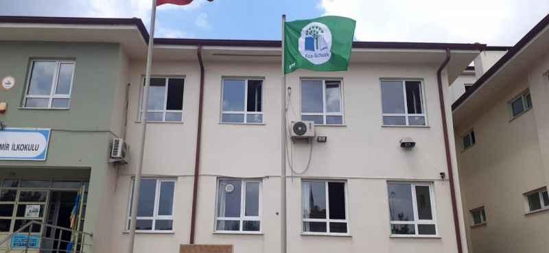 Mehmet Demir İlkokulu'na 'Yeşil Bayrak' ödülü
