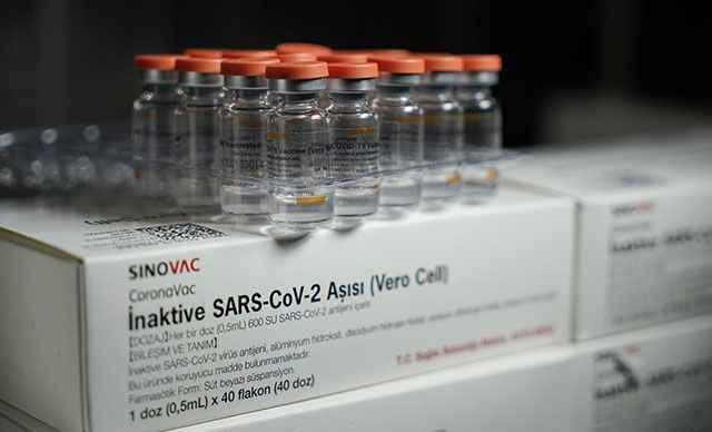 """Sağlık Bakanlığından """"CoronaVac"""" aşısı açıklaması"""