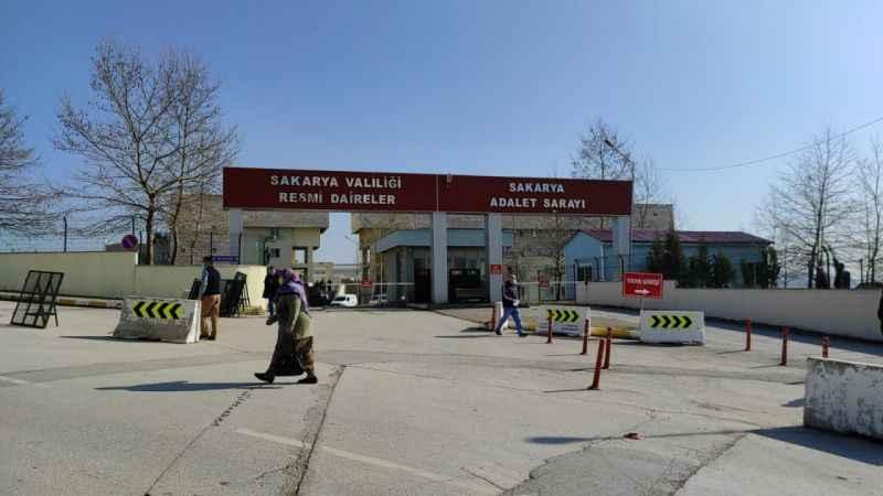 FETÖ firarisi Adil Öksüz'ün yakınlarının davası ertelendi