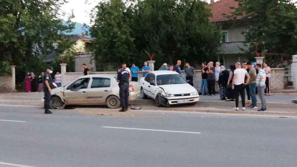 """Kaza yaptı, Jandarma """"ehliyet"""" deyince, arkasına bakmadan kaçtı!"""