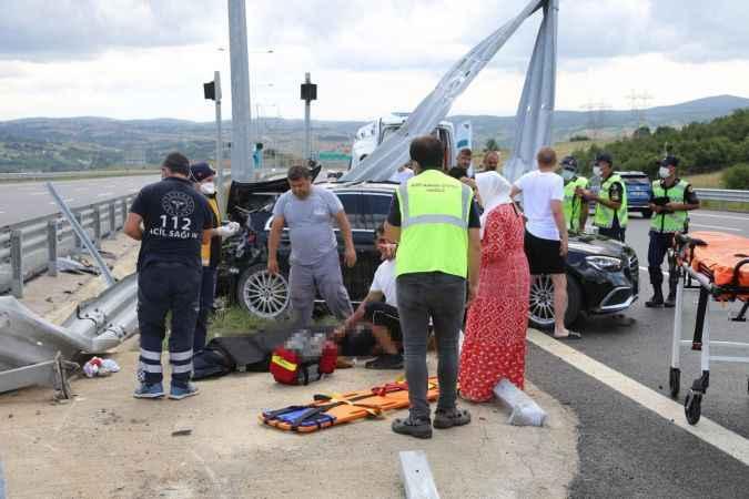 Kazada iş adamı hayatını kaybetti. Eşi dakikalarca başından ayrılmadı!