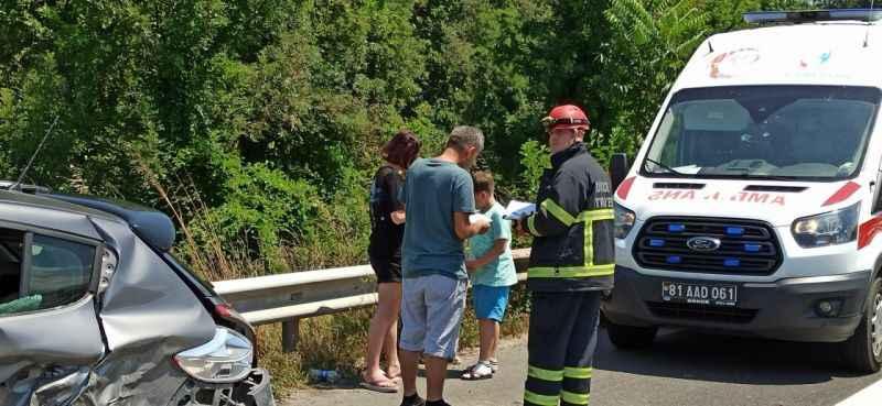 Otabanda oğlunun ihtiyaç molası için durunca kazaya neden oldu