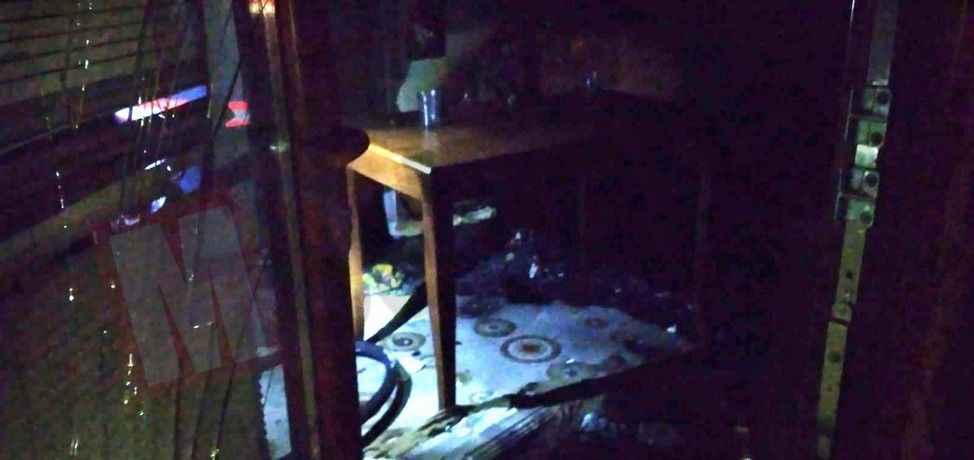 Öfkeli  genç yaşadığı evi benzin döküp yaktı