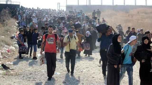 Mülteci tartışmaları sonrası Twitter'da bu başlık açıldı: Gitmiyoruz