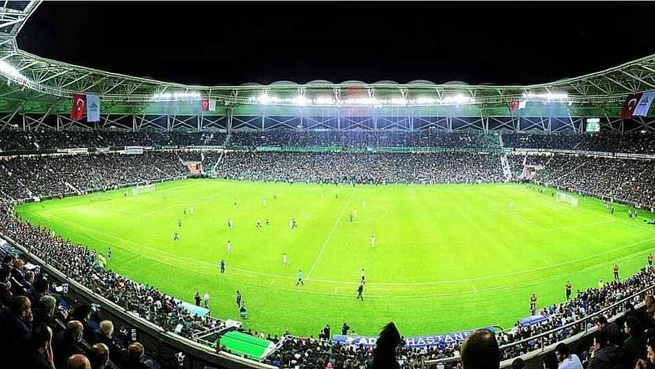 Seyircilerin stadyumlara giriş şartları belli oldu!