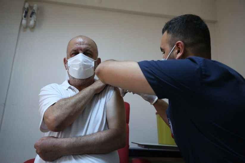Vali Kaldırım vatandaşları aşı olmaya davet etti