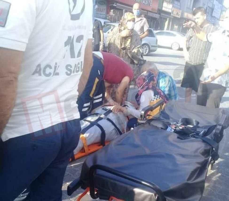 Engelli aracından düşen yaşlı adam hastaneye kaldırıldı
