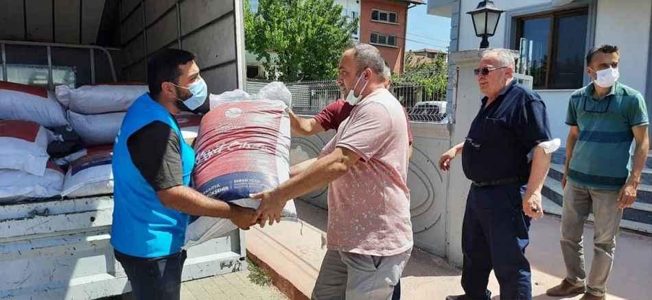 Başkan Yüce'den Geyveli kahveci esnaflarına çay desteği