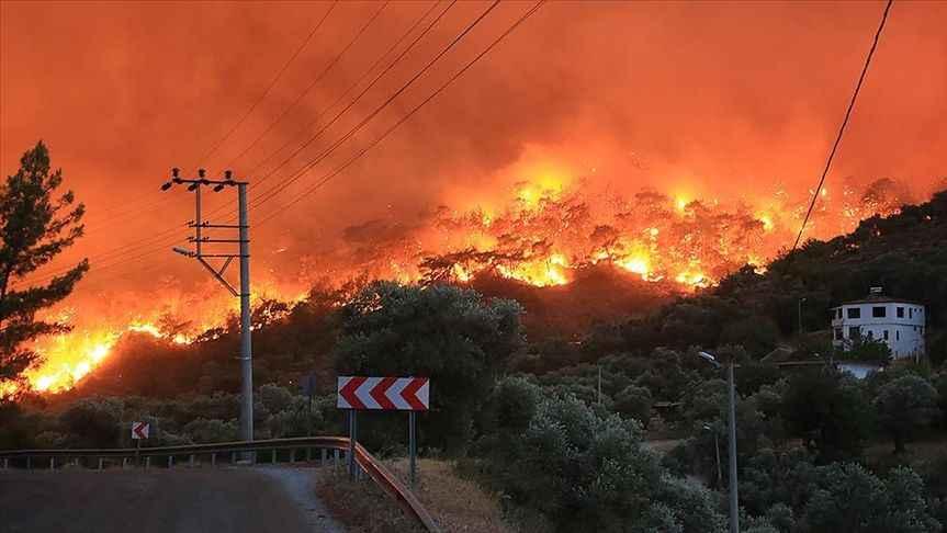 Türkiye'nin yangınlara mücadelesinde 6. Gün: 119 yangın kontrol altında