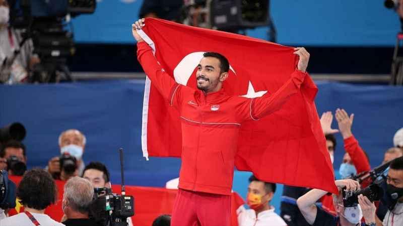 Türk cimnastiği tarihindeki ilk olimpiyat madalyasını Ferhat Arıcan ile aldı