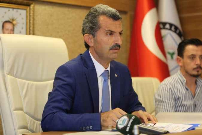Kocaali Belediyesi Meclisi üyeleri, huzur haklarını yangın mağdurları için Türk Kızılay'a bağışladı