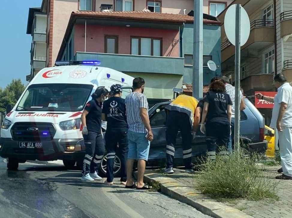 Hızırtepe'de ticari taksi ile otomobil çarpıştı!