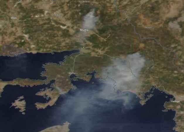 NASA  yayınladı. Köyceğiz yangının dumanları Rodos'a ulaştı