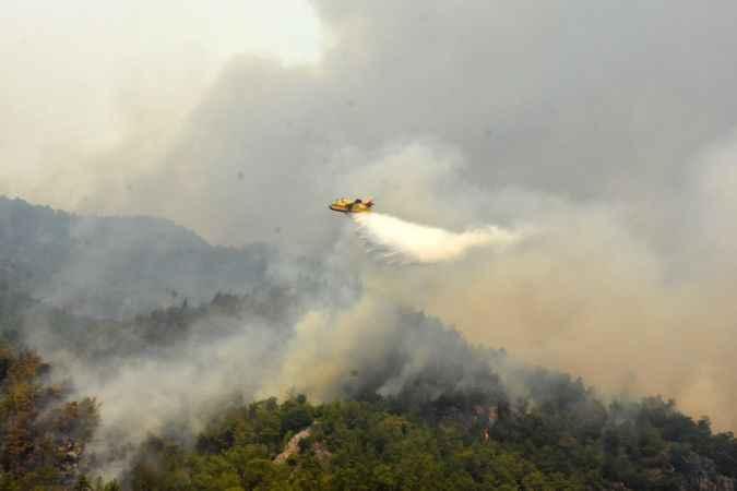 6 bin hektarın küle döndüğü Köyceğiz'de yangın devam ediyor