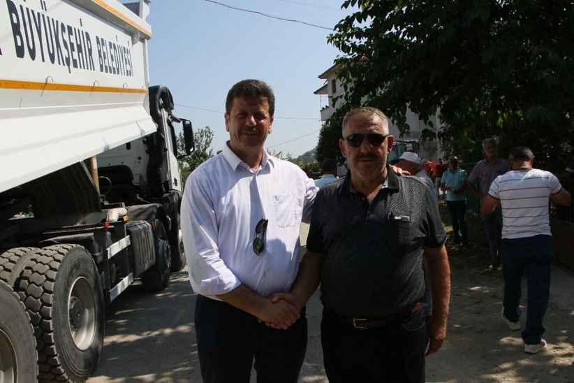 Pazarköy Mahallesi'ne sıcak asfalt kesilen kurban ve dualar eşliğinde başladı...