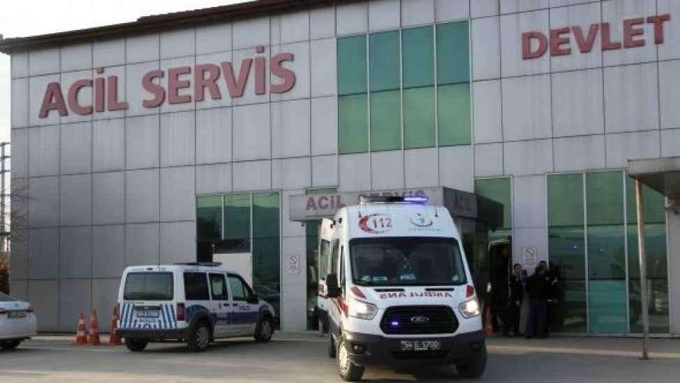 Akyazı'da şüpheli ölüm! Araç içerisinde baygın halde bulunmuştu!