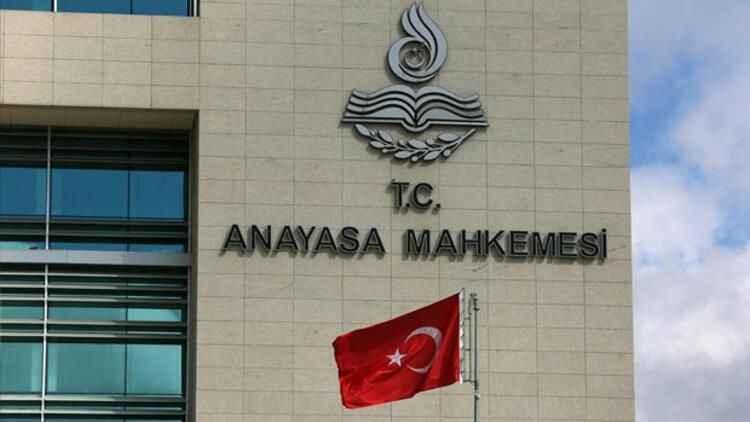 AYM'den haberin altında yapılan yoruma hapis cezası verilmesiyle ilişkin  karar!