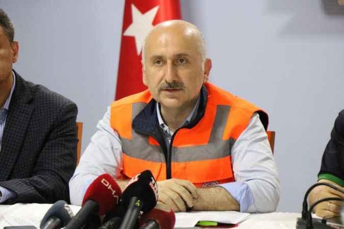 """Bakan Karaismailoğlu: """"Ayancık'ta maalesef 2 vatandaşımız vefat etti"""""""