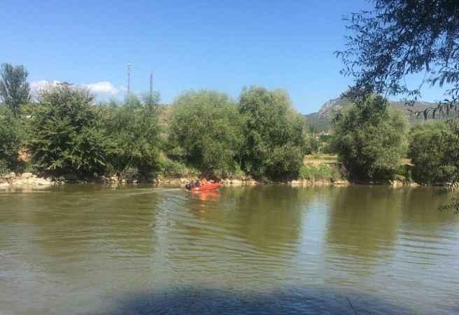 Sakarya Nehri'ne düşen genç için arama kurtarma çalışması başlatıldı